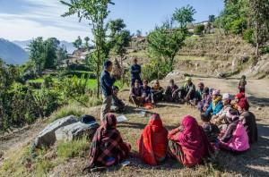 Ganga informiert die Bauern und bildet Gruppen interessierter Farmer - Ward 2
